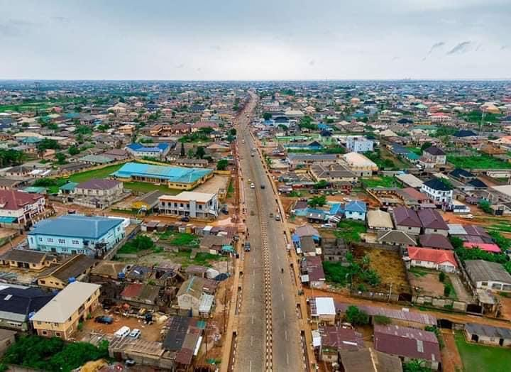 The 6.05km Ijede road.[PHOTO CREDIT: Photo credit: Lagos Monitoring Team]