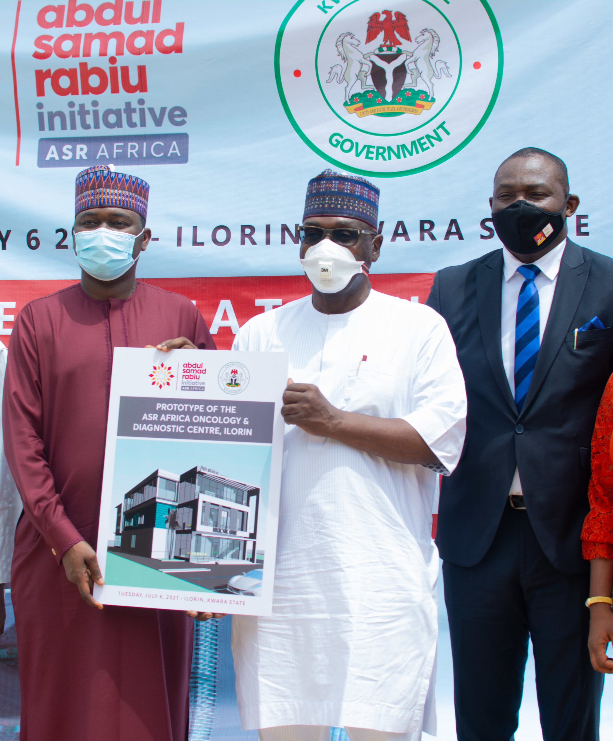 L-R: Kabiru Rabiu, Group Executive Director, BUA Group; Governor AbdulRahman AbdulRazaq of Kwara and Ubon Udoh, Managing Director, ASR Africa during the presentation of a N2.5billion grant by ASR Africa to Kwara State Government for a proposed Oncology and Diagnostic Center to be built in Ilorin, today.