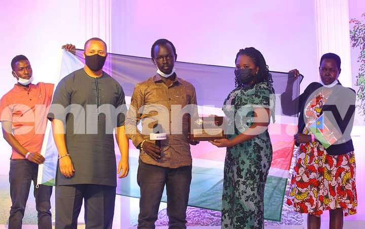 (L) Son-in-law, Brian Moshi, representative of president to the republic of South Sudan, Pastor Peter Aueai, Daughter of T.B. Joshua, Serah Joshua during the presentation of Key to South Sudan to Serah the daughter of Prophet T.B. Joshua at the tribute service on Tuesday.