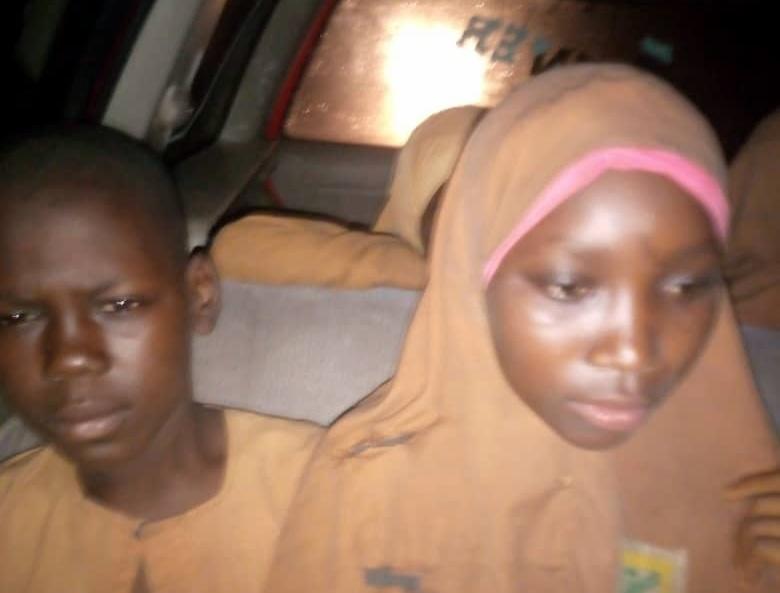 The freed pupils of Niger Islamiyya pupils, on their to Minna from Birnin Gwari.