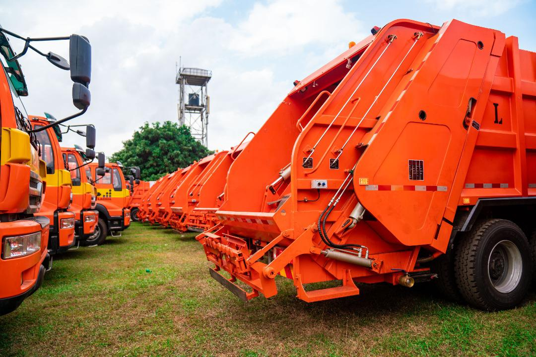 The brand new compactor trucks and Double Dino Bins commissioned by Governor Babajide Sanwo-Olu for LAWMA at Lagos House, Ikeja, on Wednesday, August 4, 2021.
