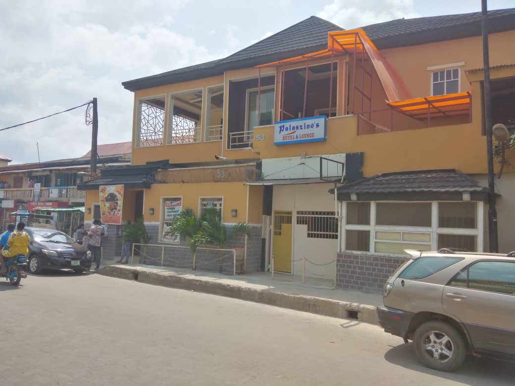 """Palasino hotel in Surulere without the """"No Smoking"""" Area signage at the entrance"""