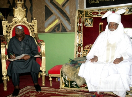 The Emir of Kano receiving the President