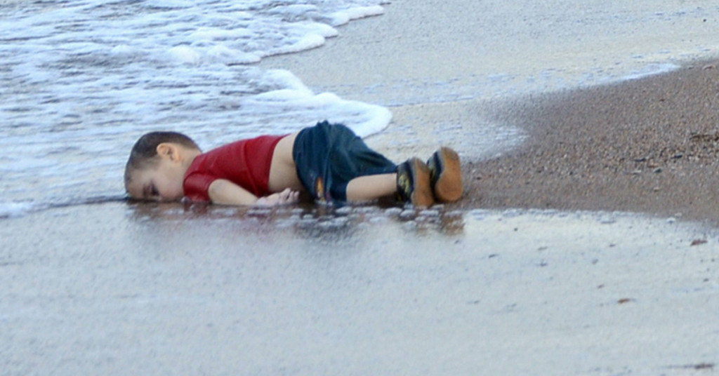 Drowned Syrian Boy - large