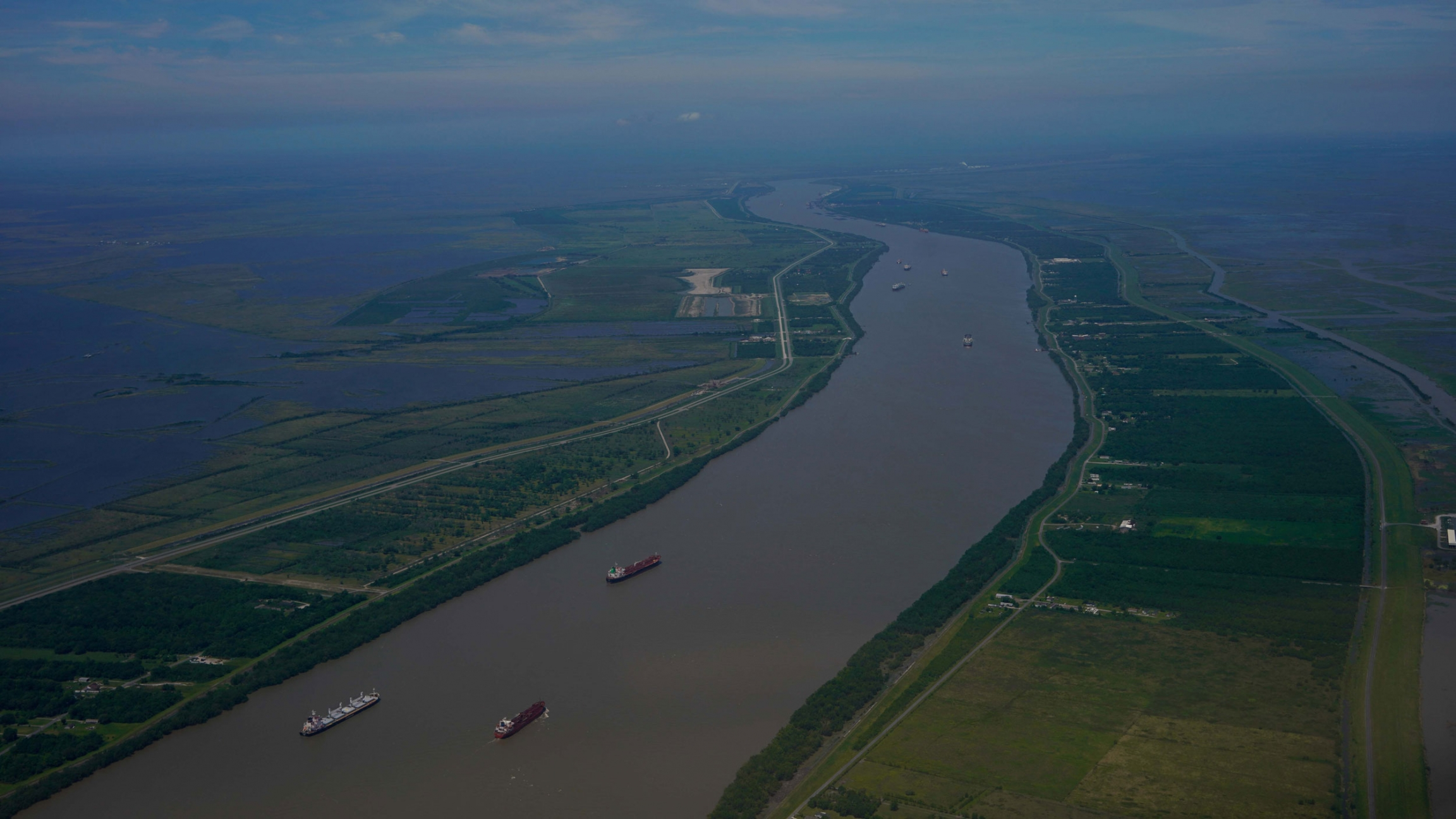 The Mississippi America S Inland Trade Corridor Under Stress