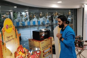 Go LG best shop hopping on a divine experience this Ganesh Festival
