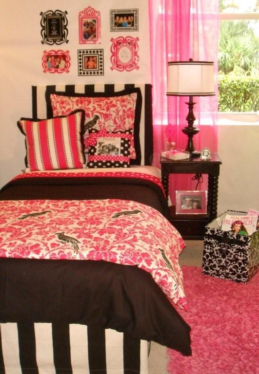 New Dorm Bedding Sets Include The Zebra Available In Black And White Turquoise Hot Pink Lime Green Lipstick Red