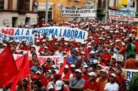 Trabajadores del sindicato independiente de Nissan protestan en Morelos. Foto: Margarito Pérez
