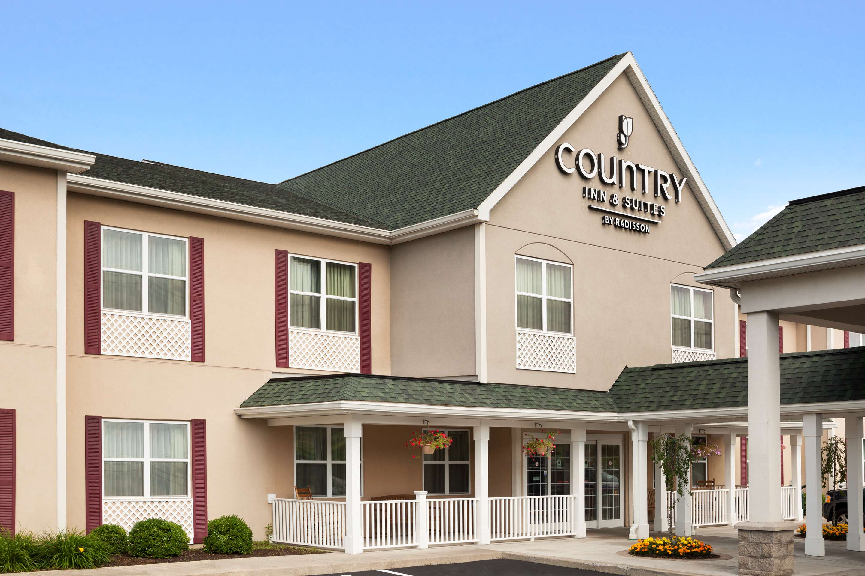 Hotels In Ithaca Ny Country Inn Suites Ithaca Ny