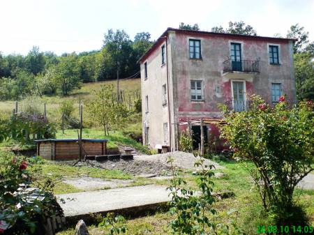 For sale Farmhouse Varese Ligure La Spezia Italy via