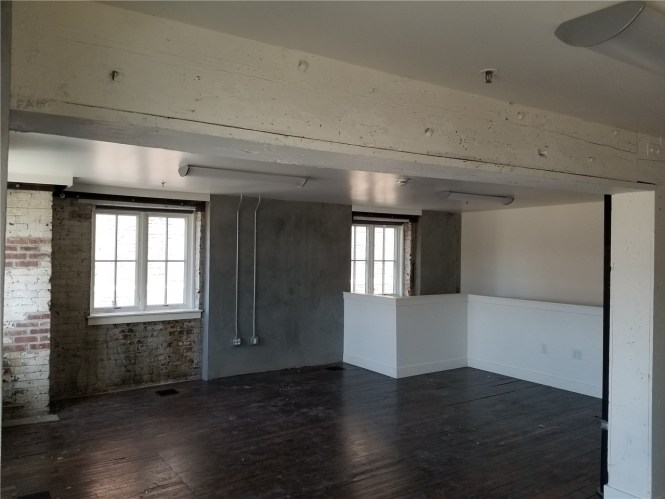 Artist Commercial Studios Move In Special