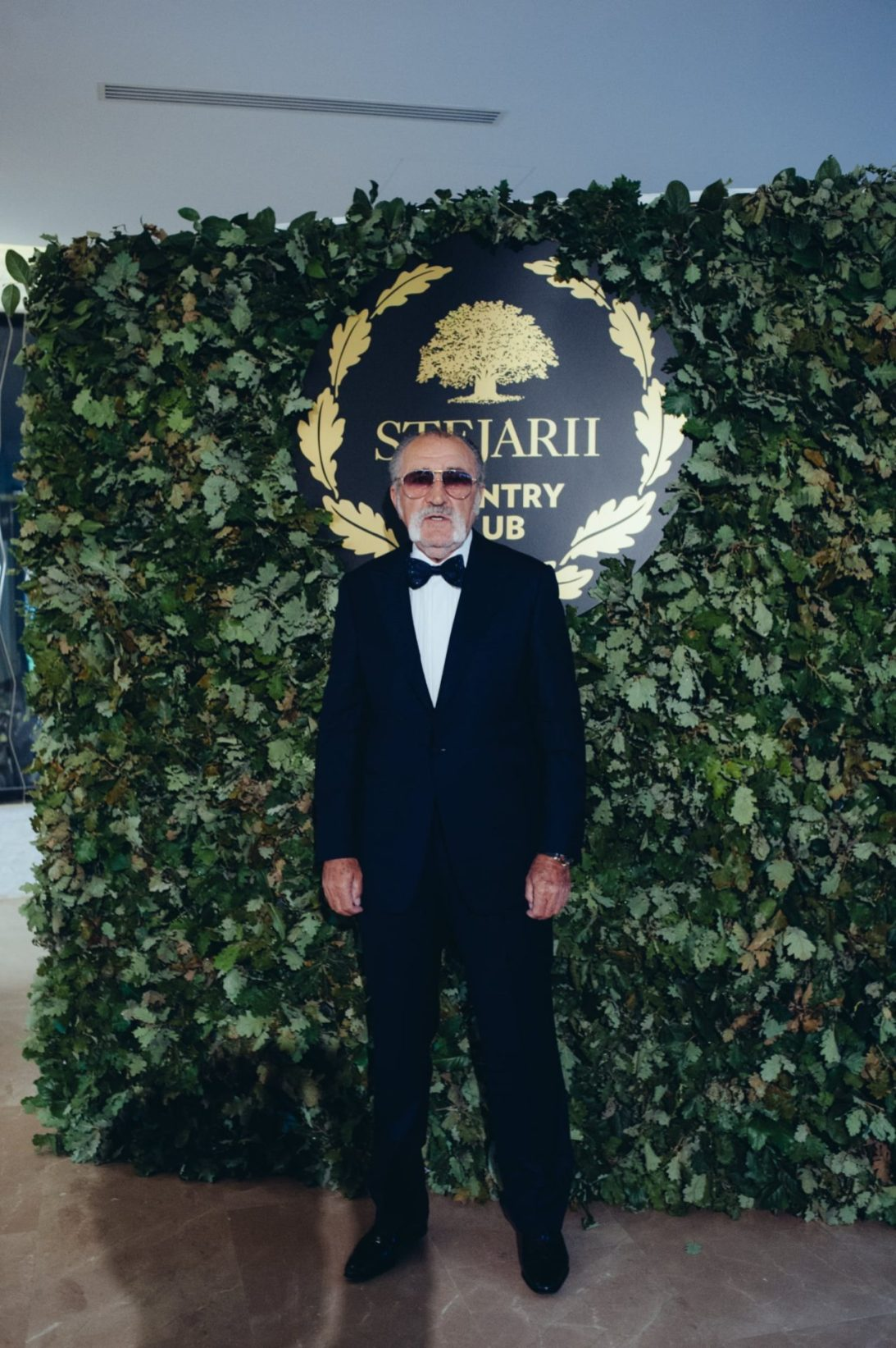 Ion Tiriac_covor rosu lansare Stejarii Country Club