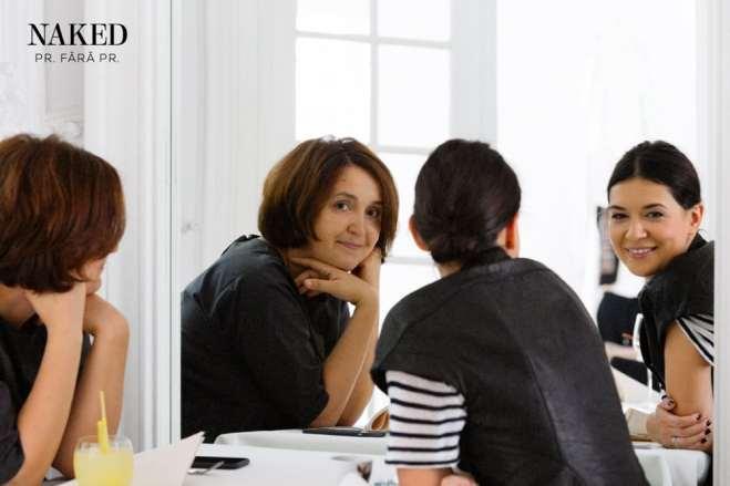Vicki Nicola si invitata sa, Andreea Macri