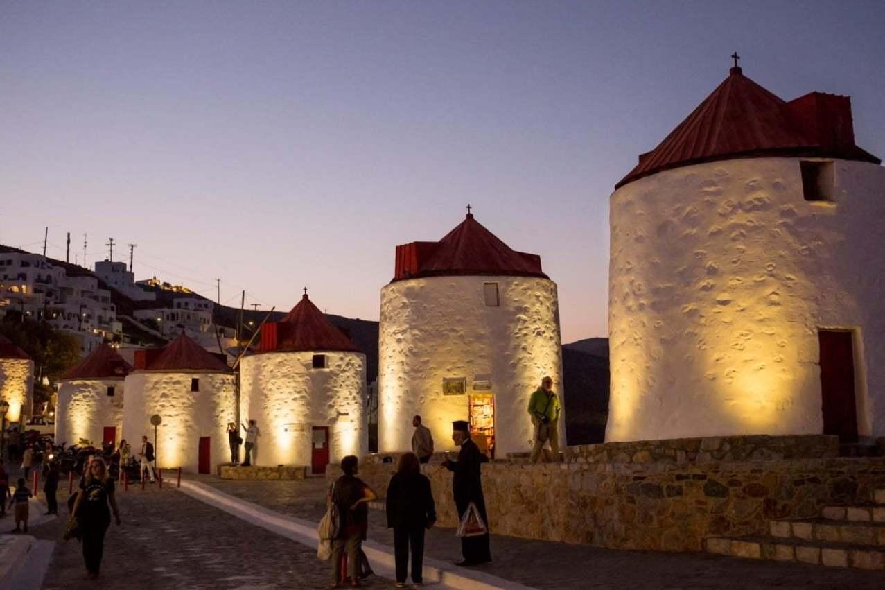 Clădirile istorice ale unor mori din Chora, în centrul Astypalea