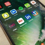 Câți români folosesc internetul mobil pe telefon Revista Biz mobile app