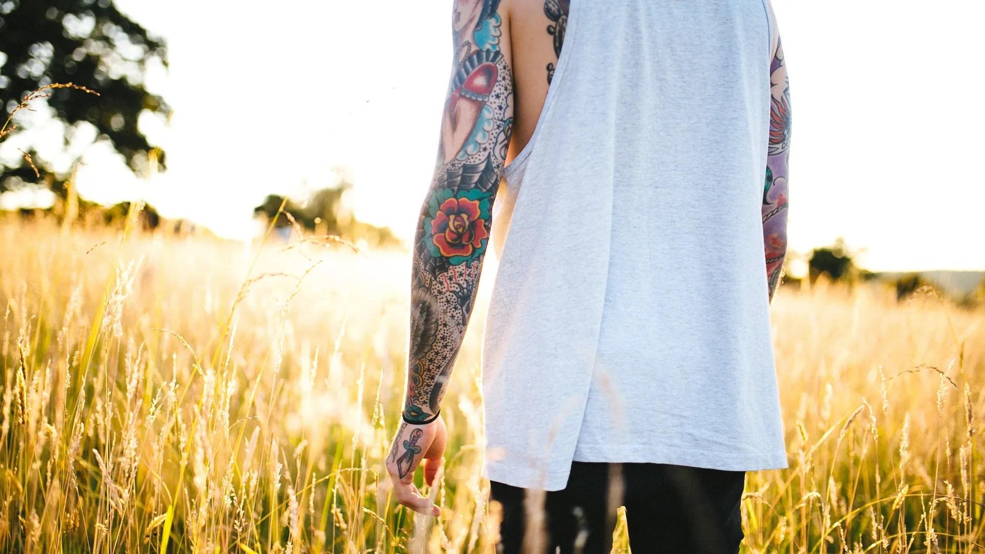 Todo Lo Que Debes Saber Si Te Vas A Tatuar Todo El Brazo O La