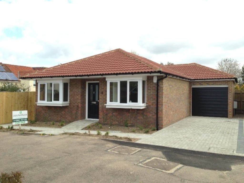 2 Bedroom Bungalow For Sale In Lyndsey Place, Cheshunt