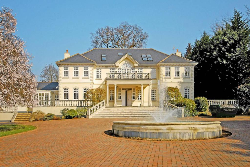 7 bedroom house for sale in London Road Sunninghill Ascot SL5 SL5