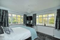 Grey Silver Bedroom Design Ideas, Photos & Inspiration ...