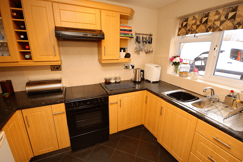 2 bedroom terraced house for sale in Sedgefield Drive. Syston. LE7