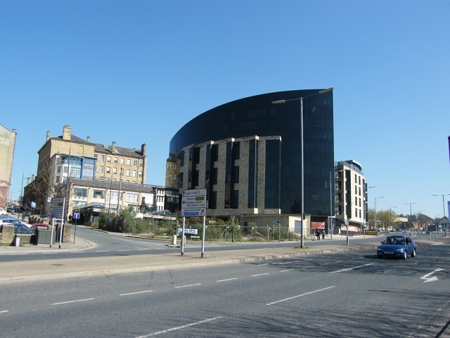 3 bedroom apartment to rent in The Gatehaus, Leeds Road