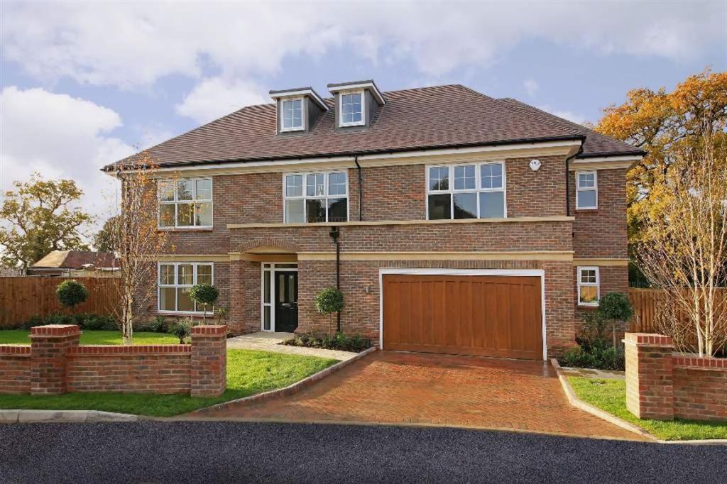 5 bedroom house for sale in London Road Shenley Radlett WD7