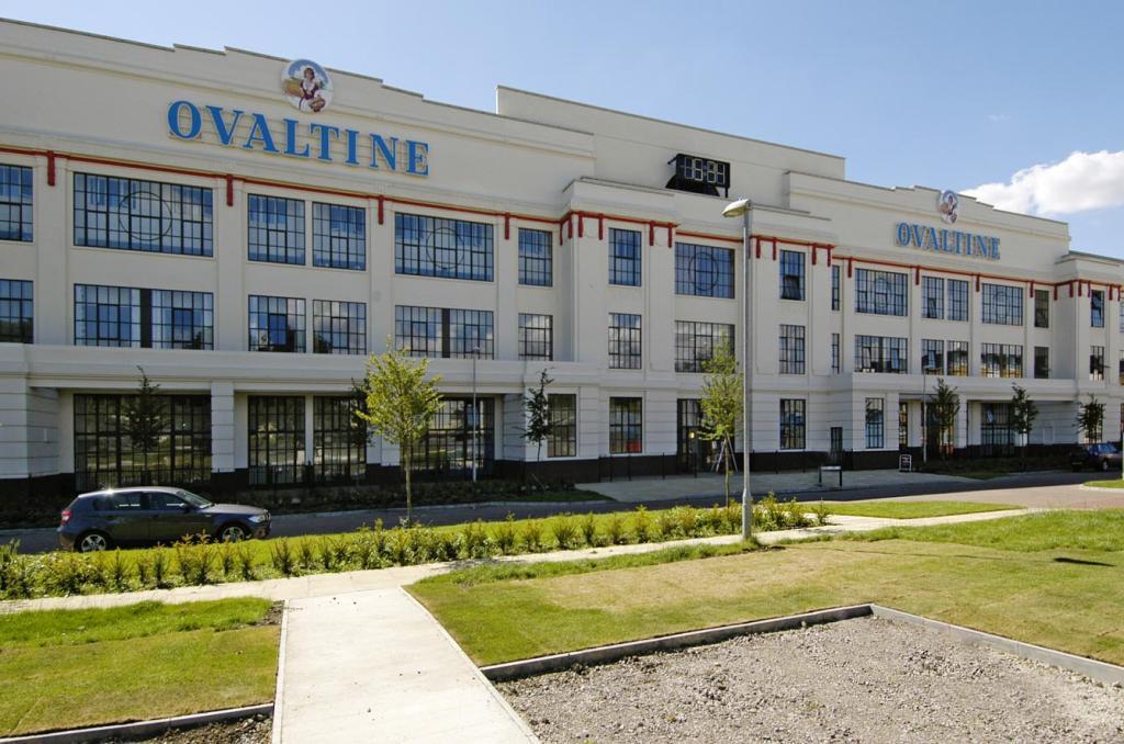 2 bedroom flat to rent in Ovaltine Court Ovaltine Drive