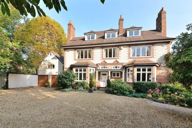 10 bedroom detached house for sale in Farquhar Road