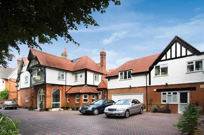 10 bedroom detached house for sale in GROVE PARK GARDENS