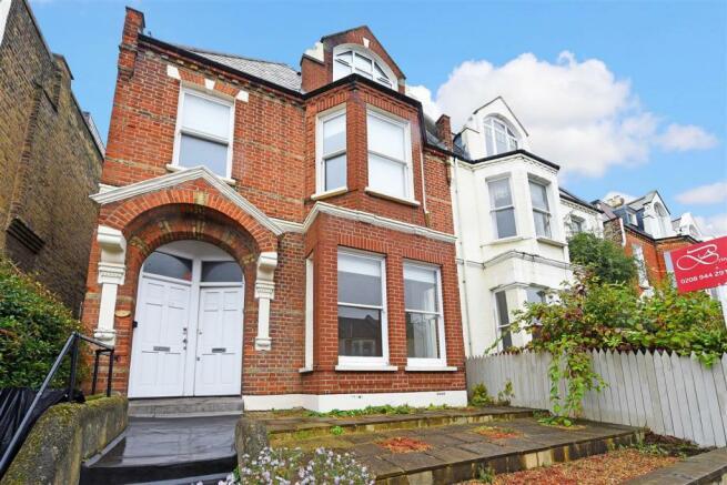 1 bedroom apartment to rent in Woodside, Wimbledon