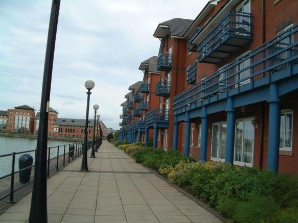 sofa preston docks plush furniture throw 2 bedroom apartment to rent in britannia wharf pr2