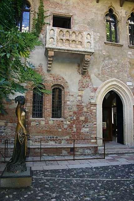 Maison de Juliette  Casa di Giulietta maison de Juliette  Verona Vrone  Vntie  Italie