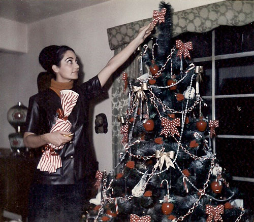 Amid the chaos, Genevieve Lucchesi had stints as a good homemaker. At Christmas, she would decorate the tree with gold bows and candy canes.