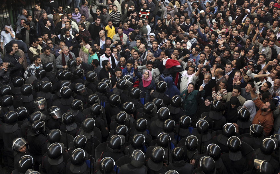 https://i0.wp.com/media.sacbee.com/static/weblogs/photos/images/2011/jan11/egypt_protest_sm/egypt_protest_10.jpg