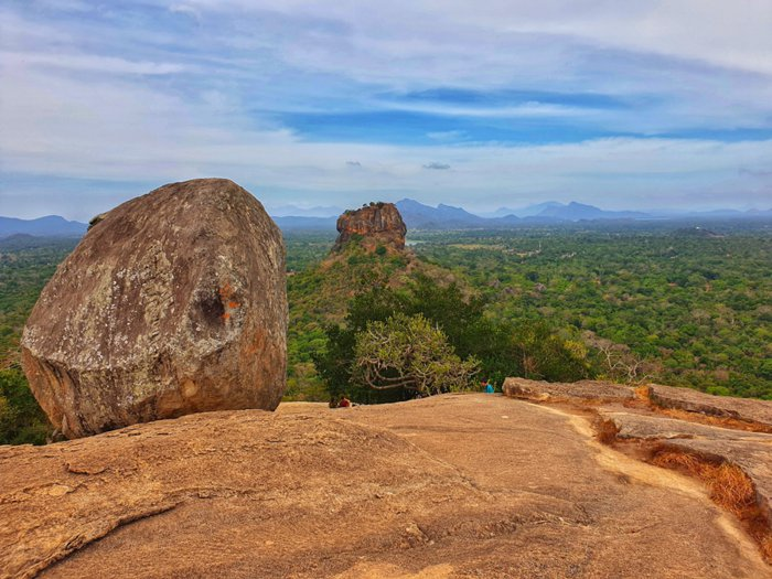 نتيجة بحث الصور عن صخرة بيدورانغالا