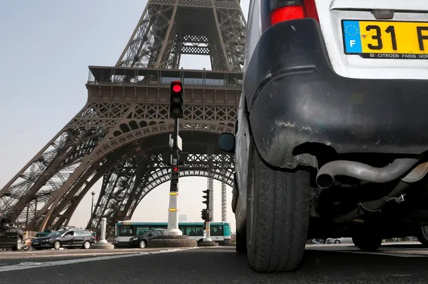 """A """"canyon of pollution"""": Why Paris is waging a war against driving"""