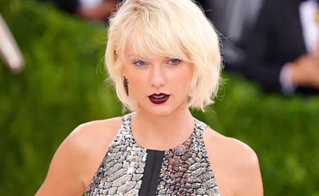 Conservatives Meltdown On Twitter After Taylor Swift