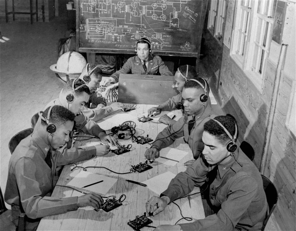 African American Gis Of Wwii Fighting For Democracy