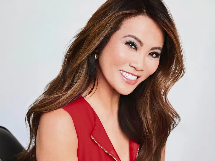 Doctor Pimple Popper Sandra Lee