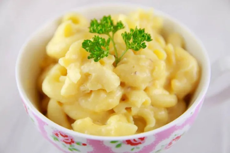 Microwave Macaroni and Cheese from Bigger Bolder Baking