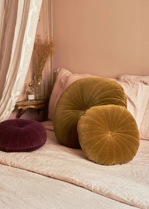 round cushion large model saffron organic cotton sezane