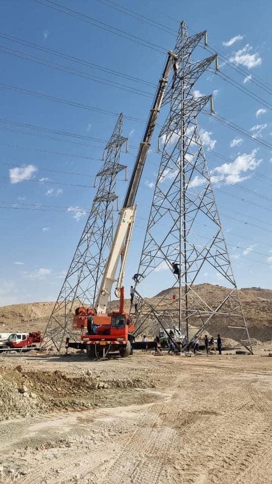 صور .. كهرباء اقليم كوردستان تُصلح برجين للطاقة تم تفجيرهما في مخمور