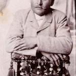 Äldsta Mika-sonen - Mattis Lars Edman, Matto kallad, 1870-1907, Rödingsträsk. Fotot förmodligen taget i samband med hans giftermål med Hilda Stina Nordkvist år 1900.