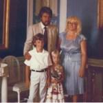 Lena Eriksson f 1952 och Bennie Karlsson f 1948 med barnen Mathias f 1971 och Marika f 1977, Vallentuna.