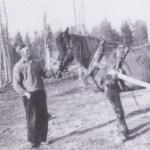 Georg Mikaelsson med en av sin många älskade hästar.