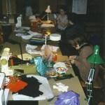 Slöjdkurs i mars 2000 i Byastugan i Södra Harads. Foto: Lilian Mikaelsson