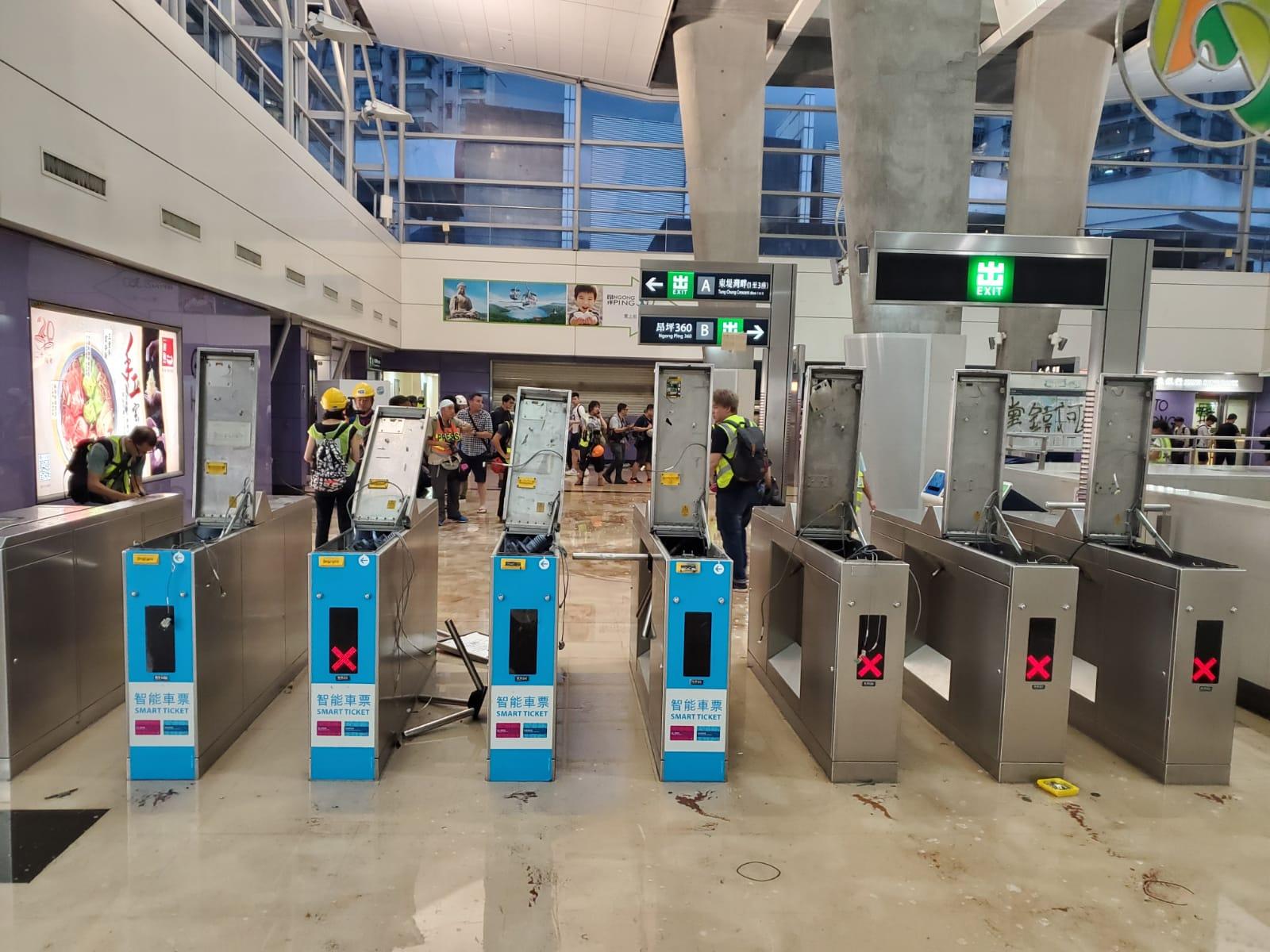 港鐵所有車站今正常開放 東涌站個別出入口關閉