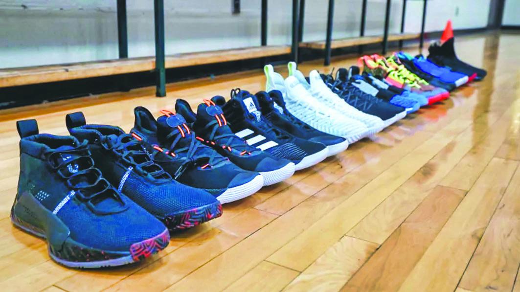 名廠球鞋大測試 貴價未必性能佳 | 多倫多 | 加拿大中文新聞網 - 加拿大星島日報 Canada Chinese News