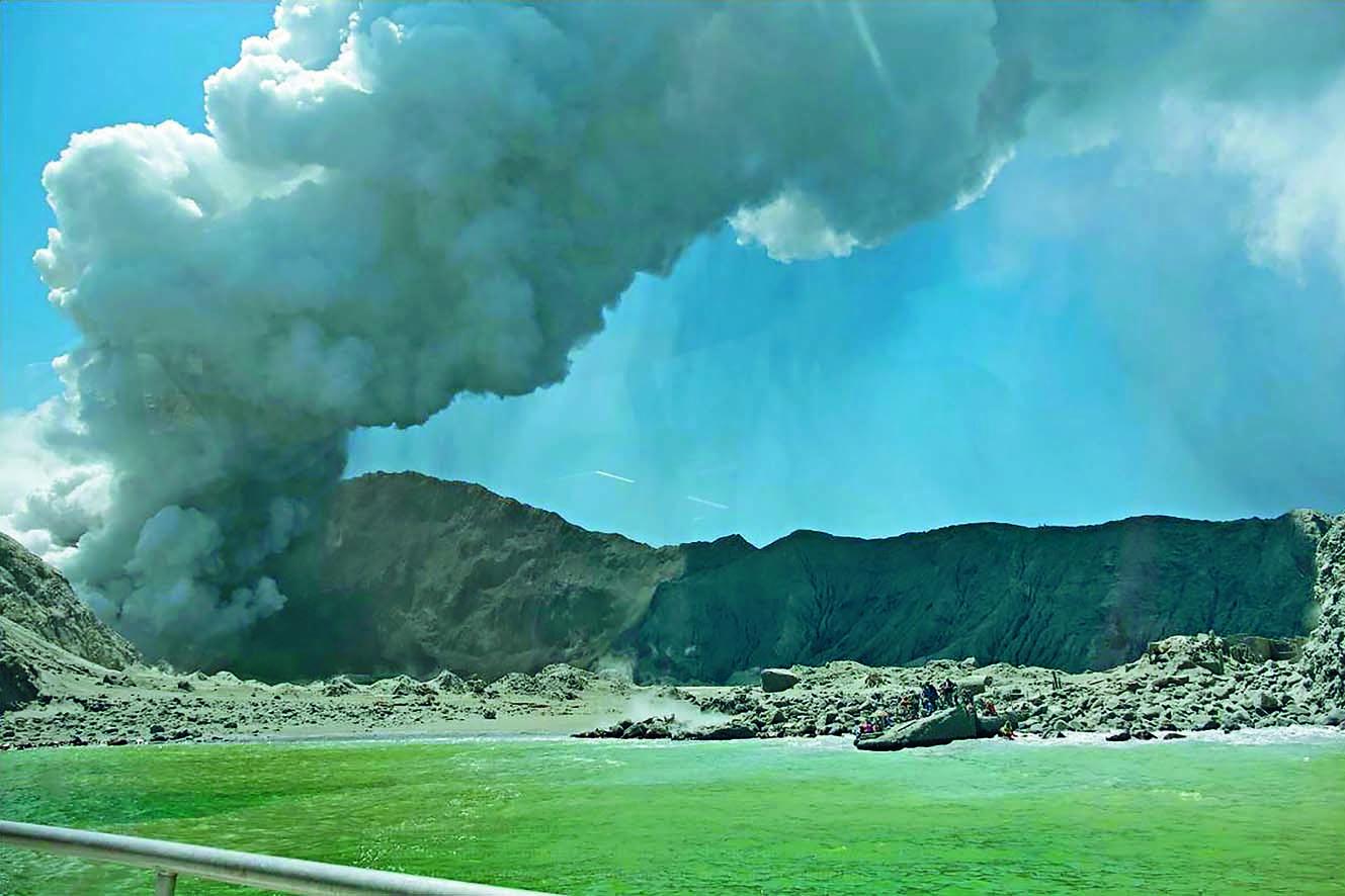 紐國懷特島火山爆發 遊客五死20多人失蹤
