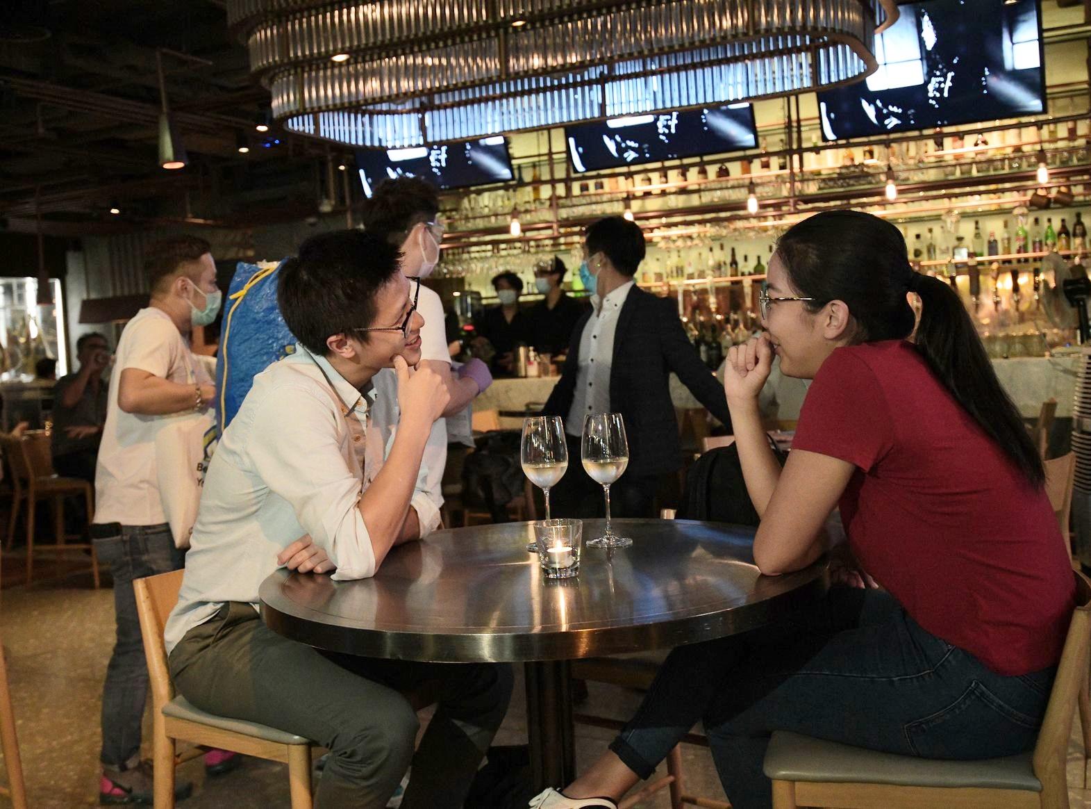 食環署過去兩晚於酒吧區共派1286樣本瓶 | 多倫多 | 加拿大中文新聞網 - 加拿大星島日報 Canada Chinese News